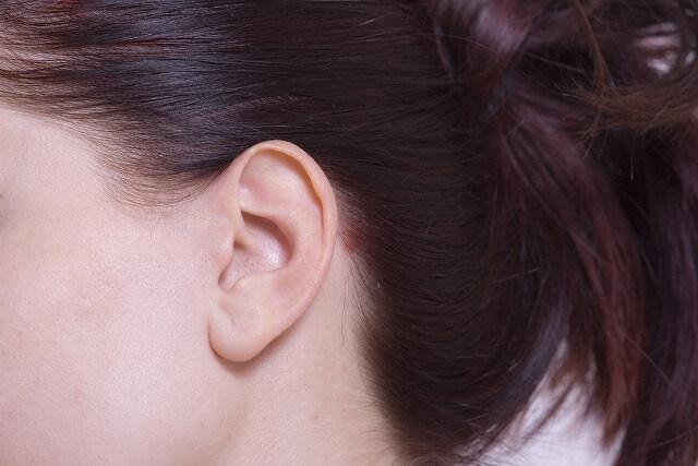 耳垂裂とは